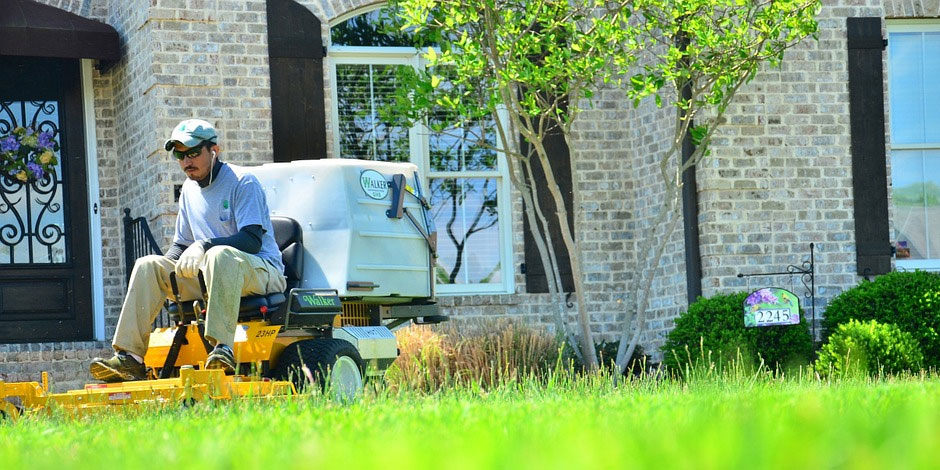 Yard Mowing Service- Why it's a Necessity?