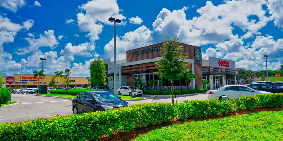retail shopping center lawn- services